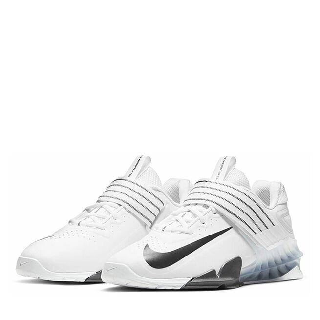 Nike Savaleos White